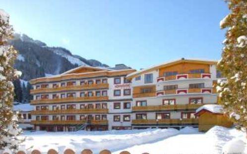 JUFA Alpenhotel Saalba...